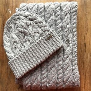 NWT Michael Kors Cable Knit Infinity Scarf Hat Set